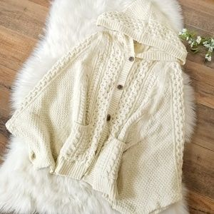 Rosie Neira Cable Knit Cape Cardigan Shawl Cream